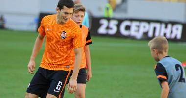 Игроки Шахтера сыграли в футбол с детьми в перерыве матча с Днепром