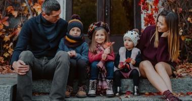 Кривцов поделился трогательными фотографиями с женой и детьми