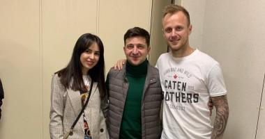 Игроки Зари похвастались снимком с кандидатом в Президенты Украины