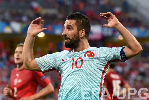 Игрок сборной Турции Арда Туран