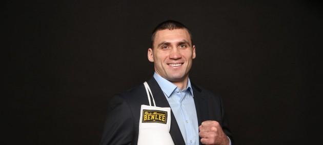 Украинский боксер Выхрист перешел в профессионалы