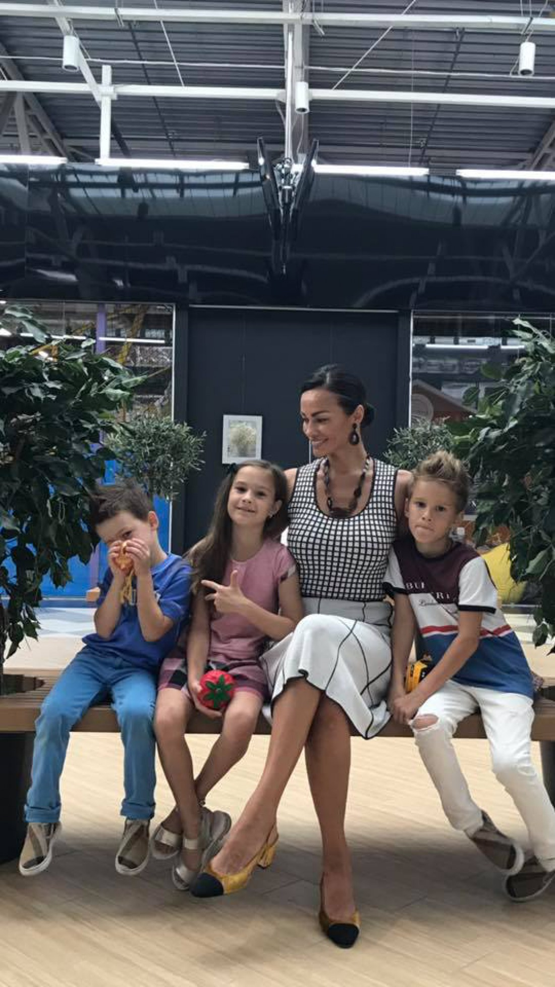 Зоряна Олейник заявила, что дети не от Дениса