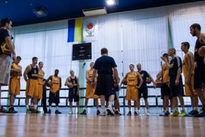 Украина продолжает уступать в товарищеских матчах