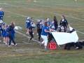 Маленькие игроки в американский футбол не смогли прорваться через баннер родителей
