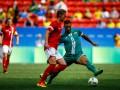 Дания и Ирак открыли мужской футбольный турнир