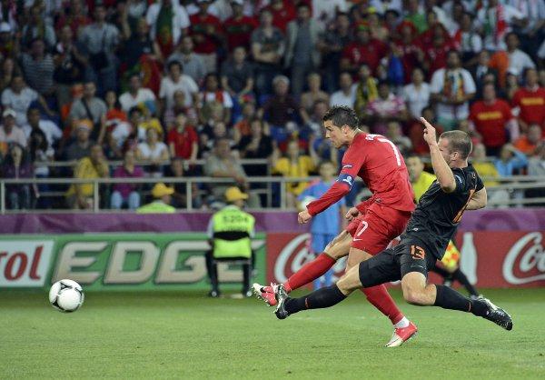 Роналдо сравнивает