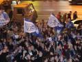 Фотогалерея: Канальи! Фанаты Зенита устроили драку с милицией после победы в Чемпионате