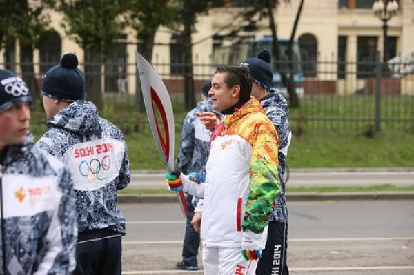 Олимпийский огонь в России тухнет третий день подряд
