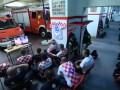 Ставшие знаменитыми хорватские пожарники отправили товарища за пивом в футболке Англии