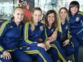 Женская сборная по футболу нашла оригинальный способ снять напряжение в аэропорту
