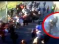 В интернете появилось видео, на котором полицейский убил фаната