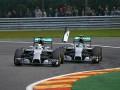 Лидер сезона в Формуле-1 признался, что специально столкнулся с партнером по команде