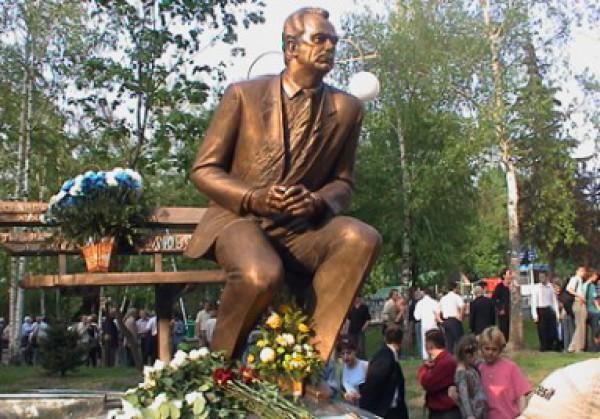Памятник Лобановскому перенесут