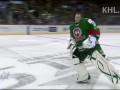 Балет на льду. Хоккейный вратарь зажигает под Gangnam style