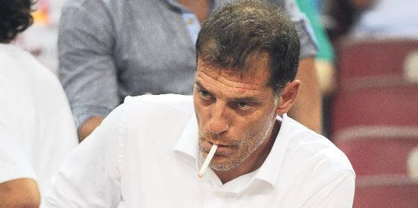 Билича словили с сигаретой на стадионе