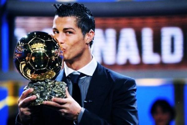 Роналду нечестно выиграл Золотой мяч-2013?