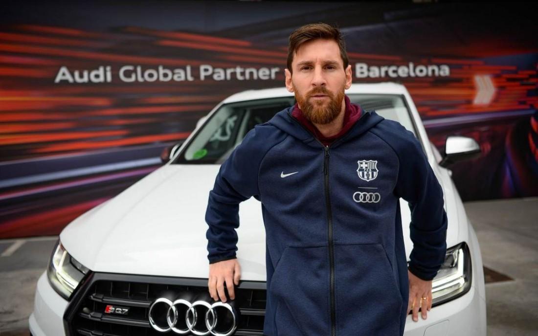 Игроки Барселоны получили новые авто от спонсора