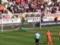 Шотландский вратарь отбил три пенальти за один тайм