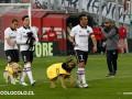Чилийские футболисты вышли на матч с собаками вместо детей
