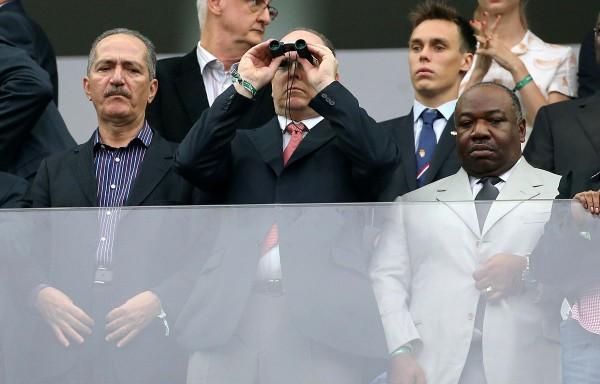 Князь Альберт (на фото посередине) посетил полуфинал ЧМ