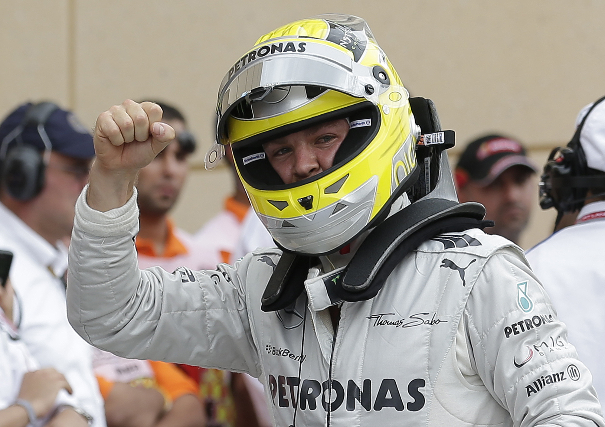 Нико Росберг завоевал поул на Гран-при Бахрейна