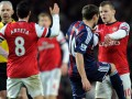 Игроки Арсенала и Сток Сити обменялись ударами во время матча (ФОТО, ВИДЕО)