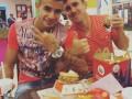 Игрок Динамо перед матчем с Челси посетил McDonalds