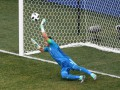 Самый возрастной игрок в истории ЧМ отразил пенальти в ворота Египта