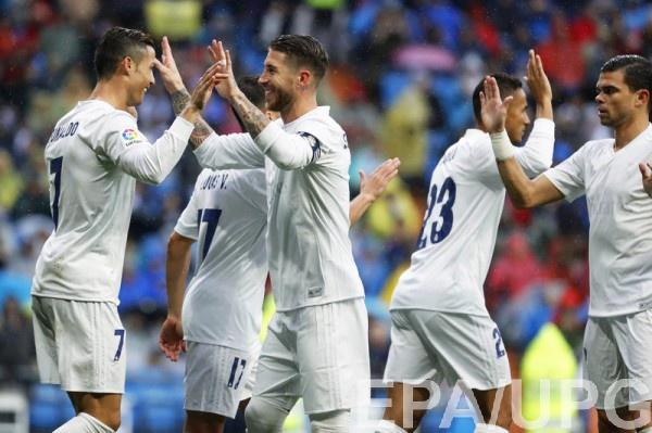 Реал празднует забитый гол в ворота Барселоны