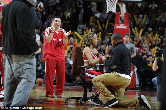 Ариана Росадо получила предложения руки и сердца прямо на баскетбольной площадке