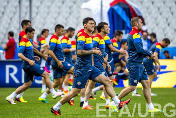 Румынских футболистов обокрали вАстане перед матчем сКазахстаном