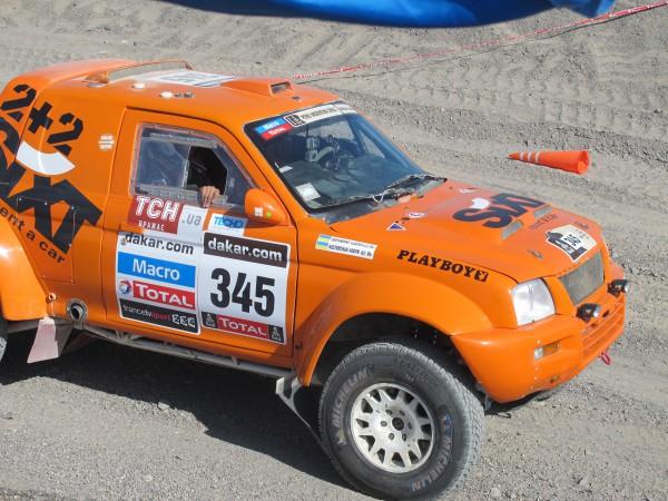 Вадим Нестерчук покоряет пески на своем авто
