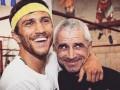 Ломаченко трогательно поздравил своего отца