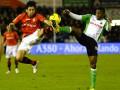 Ла Лига: Валенсия теряет очки в Сантандере, Малага переигрывает Севилью