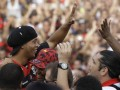 Болельщики раскупили все билеты на дебютный матч Роналдиньо за Фламенго