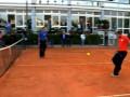 Показали класс: Сборная Великобритании по теннису сыграла в футбол на корте