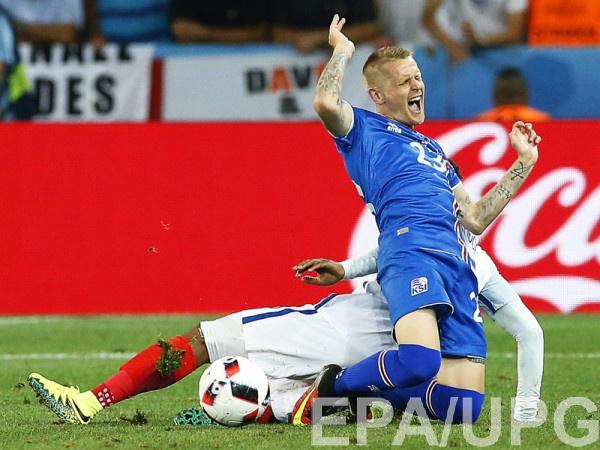Защитник сборной Исландии Ари Скуласон