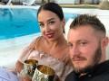 Сексуальная жена экс-игрока Днепра поделилась откровенным фото в купальнике