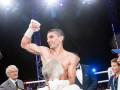 Далакян защитил чемпионский титул в бою с Пересом