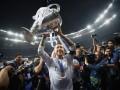 Танцы Рамоса с Модричем и поцелуй с Марсело: как Реал праздновал победу в раздевалке