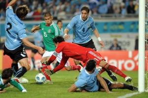 Уругвай в четвертьфинале ожидает встреча с Аргентиной