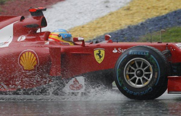 Алонсо смог выжать максимум на мокрой трассе