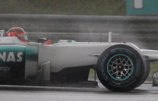 Mercedes не смог ничего показать на Гран-при