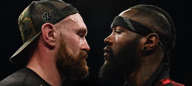 Уайлдер поднялся к Фьюри в ринг и провел с ним битву взглядов