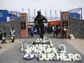 Вандалы подожгли памятник легенде Эвертона около стадиона клуба