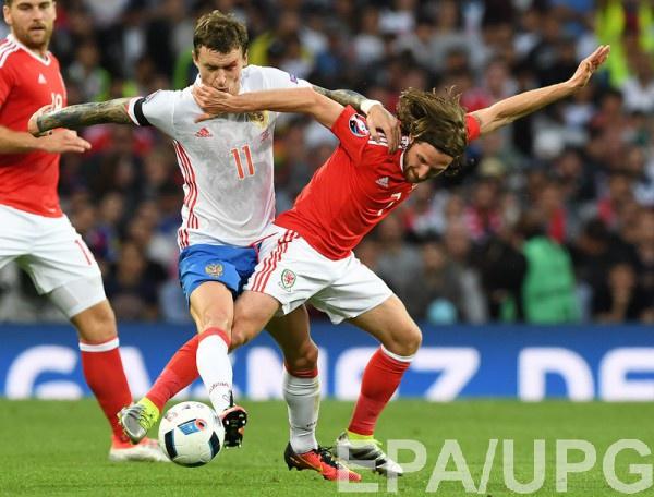 Павел Мамаев в матче с Уэльсом