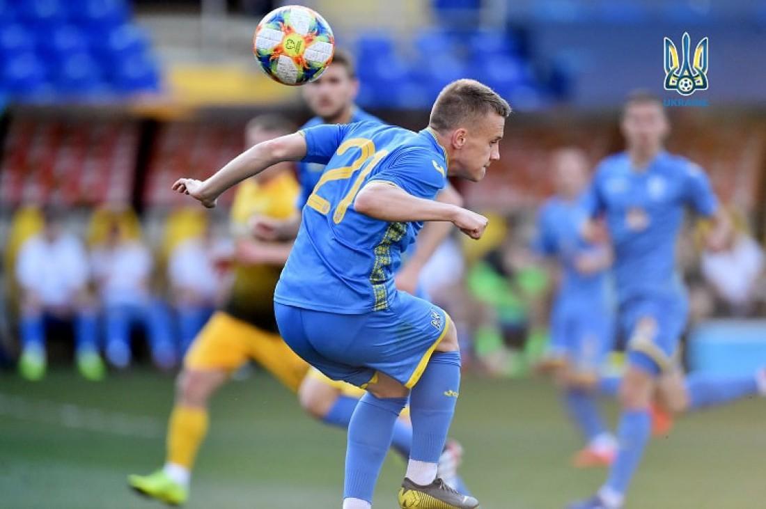 Сборная Украины победила Днепр-1