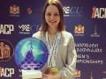Украинская шахматистка получила в подарок от Барселоны футболку со своим именем