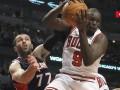 NBA: Чикаго вырвал победу у Атланты, Лейкерс обыграли Хьюстон
