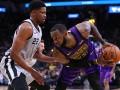 НБА: Кливленд уступил Сакраменто, Лейкерс не смогли выстоять против Сан-Антонио